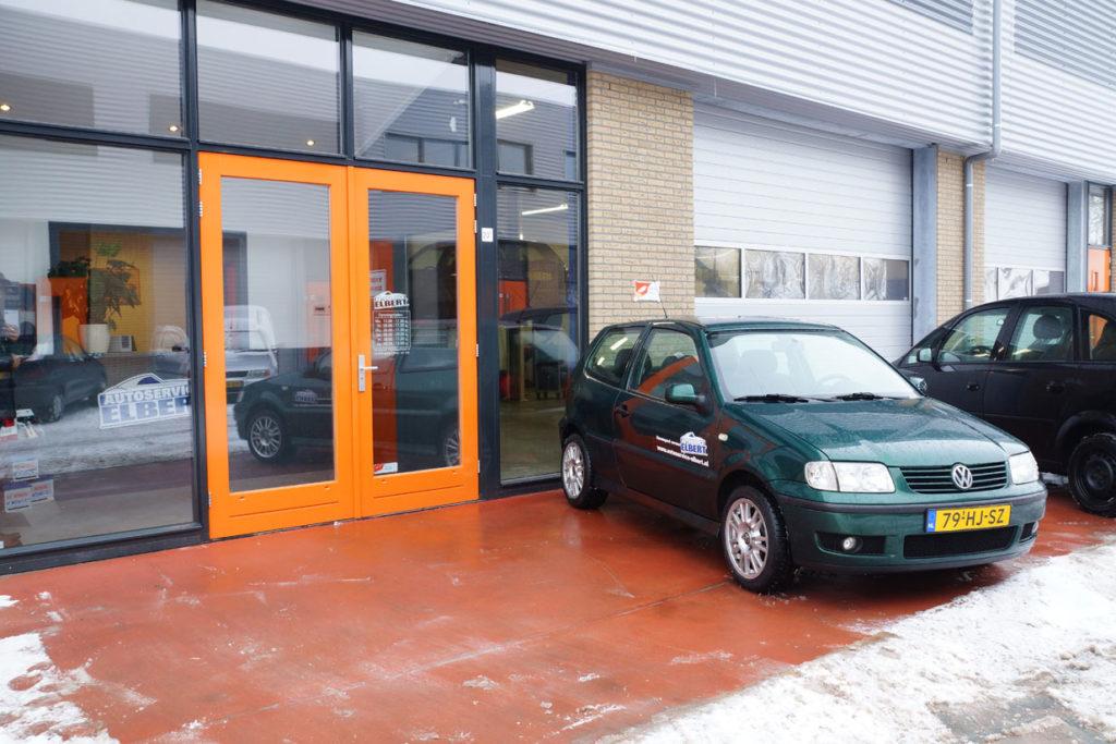 Voorkant Autoservice Elbert - groene Volkswagen